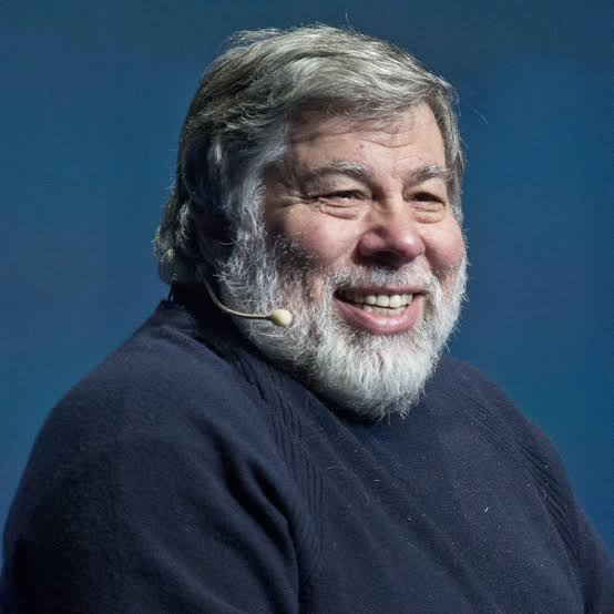 Apple cofounder Steve wozniak sued over theft of business idea