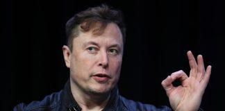 Bitcoin Falls After Elon Musk Tweets Breakup Meme