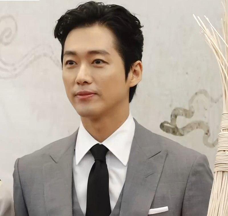 Namgoong Min Net Worth, Wife, And Korean Drama List