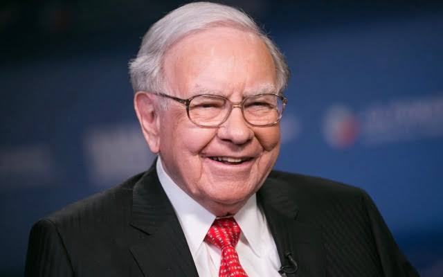 Warren Buffett Company? Net Worth, Success Formula, Age?