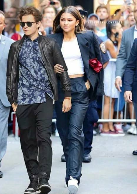 Is Zendaya And Tom Holland Dating in 2021, Relationship Timeline And Pics Together