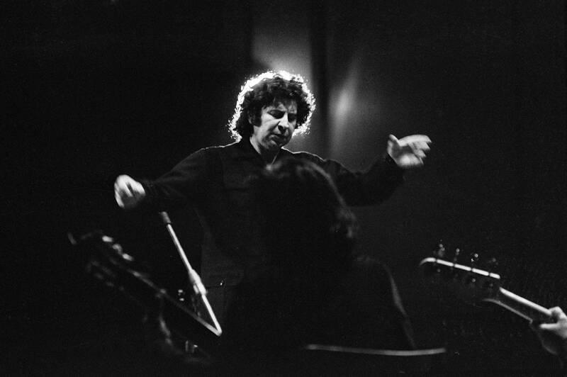 Greek composer Míkis Theodorákis is dead